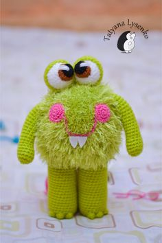 Pdf file in English language. Monster is very easy to crochet!  For toys, I used acrylic yarn green 200m 100g, and Samba Yarn Art green , hook