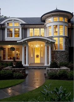 Beautiful Exterior Home Design Trends: Belle Maison (Façade) . Style At Home, Future House, My House, House Front, Boat House, Decoration Design, Decoration Inspiration, Design Inspiration, Decor Ideas