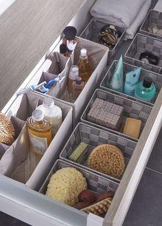 Storage baskets in your bathroom drawers! Storage baskets in your bathroom drawers! Useful and practical … Makeup Storage, Makeup Organization, Diy Storage, Room Organization, Storage Baskets, Storage Ideas, Cube Storage, Storage Drawers, Creative Storage