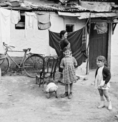 Poverty in Spain during Franco's dictatorship: 1950s (10/20 years after the end of spanish Civil War) | foto: bill perlmutter
