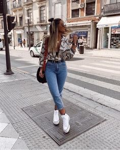 ▷ 50 + Outfits Denim Mujer para todas las temporadas【Moda - The Effective Pictures We Offer You About vsco outfits A quality picture can tell you many things. Cute Casual Outfits, Simple Outfits, Stylish Outfits, Mode Outfits, Fashion Outfits, Grunge Outfits, Jean Outfits, Elegantes Outfit Frau, Mode Ootd