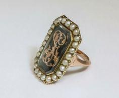 Bagues anciennes / Baroque / Bague ancienne en or et perles fines du 18e siècle.