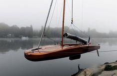 Scow 18 built by Construction Navale Franck Roy of Marans, France. http://www.cnfranckroy.com/desk/fr/boat/ScowFR18.php