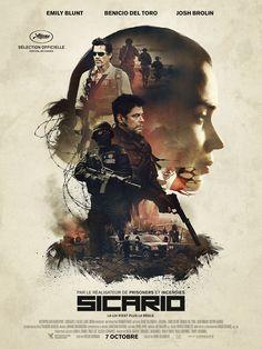 Sicario est un film de Denis Villeneuve avec Emily Blunt, Benicio Del Toro. Synopsis : La zone frontalière entre les Etats-Unis et le Mexique est devenue un territoire de non-droit.Kate, une jeune recrue idéaliste du FBI, y est enr