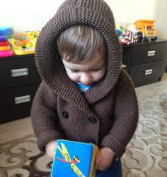 Baby Knitting Patterns Free knitting pattern: Hooded jacket for baby Baby Knitting Patterns, Baby Boy Knitting, Knitting For Kids, Baby Patterns, Free Knitting, Crochet Patterns, Baby Cardigan, Bebe 1 An, Crochet Pullover Pattern