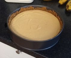 No Bake Caramel Cheesecake. Only a few ingredients and a few simple steps. Read the comments and add more gelatine. No Bake Caramel Cheesecake, How To Make Cheesecake, Baked Cheesecake Recipe, Nice Biscuits, Cheap Easy Meals, Christmas Baking, Family Christmas, Christmas Recipes, Christmas Ideas