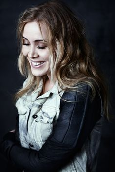 Anouk - Birds (The Netherlands The Voice Of Holland, Female Singers, Album, Celebs, Celebrities, Record Producer, Pop, Music Artists, Role Models