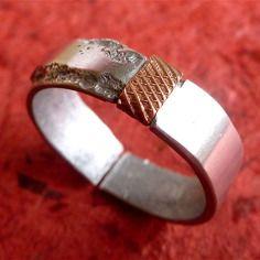Bague en aluminium et cuivre artisanale pour homme, moitié polie/moitié texturé - anneau ouvert