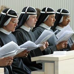 Religious orders and congregations across the globe Birgittiner sisters. Love the headpieces.