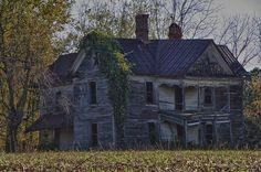 Ken'sKam Abandoned Farm House  An abandoned farm house somewhere south of Mt. Airey, North Carolina