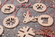 """Елочная игрушка из дерева """"Год Собаки"""". Набор 8 штук. Гравировка логотипа. Корпоративный подарок. Бизнес сувенир 2018. Подарок на новый год. Декор из дерева"""