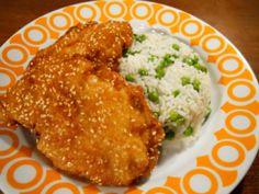 Kistányér: Szezámmagos rántott hús rizi-bizivel és uborkasalátával