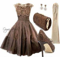 Un vestido super elegante muy del estilo de Silvia Pinal de los 50´s