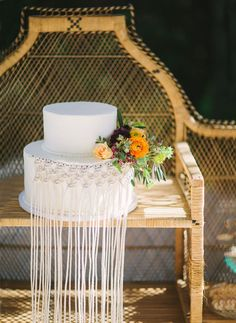 macrame inspired wedding cake
