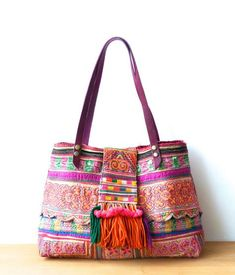 Hmong Bags - Embroidered, Handbags, Wallets, and Wristlets Sacs Tote Bags, Tote Purse, Clutch Bag, Hippie Bags, Boho Bags, Estilo Hippie Chic, Ethnic Bag, Embroidery Bags, Linen Bag