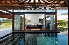 swimming pool: Excellent Home Design Idea With Modern Style Decoration Also Completed With Amazing Large Pool Area Under Wooden Pergola, Modern Backyard Pool Designs for Luxury House, Luxury Busla: Home Decorating Ideas and Interior Design Pool House Interiors, Architecture Design, Installation Architecture, India Architecture, Pool House Designs, Modern Crib, Modern Pools, Spas, My Dream Home