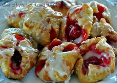 Cherry Pie Bites (puff pastry + pie filling+