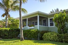 Beachfront cottages with resort amenities, only at 'Tween Waters Inn.
