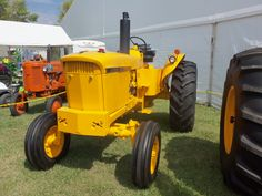 Yellow JOhn Deere 3020 standard. SNT 121R 108293R