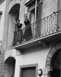 Ruth Orkin met Ninalee Craig at the hotel where they were both staying in Florence for $1 a day in 1951