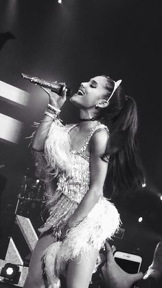 ☁️@Arianator6☁️ she's beautiful as usual