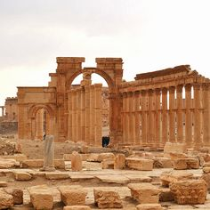 https://flic.kr/p/bJxAWz | 314 Arch of Triumph before its destruction, Palmyra (Syria) | Reuters, October 5, 2015: Islamic State militants have blown up the Arch of Triumph, a major monument in the 2,000-year-old Roman city of Palmyra, Syria's antiquities chief said on Sunday, after they destroyed two ancient temples at the central Syrian site in recent months.