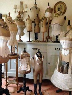 Love Vintage, Vintage Shabby Chic, Shabby Chic Decor, Vintage Sewing, Vintage Dress Forms, Mannequin Art, Vintage Mannequin, Dress Form Mannequin, Vintage Display