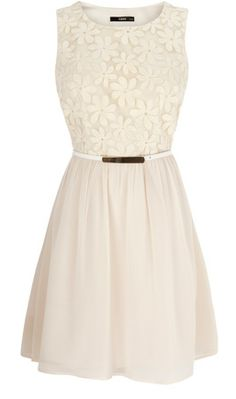 White daisy bodice dress - so lovely for summer.