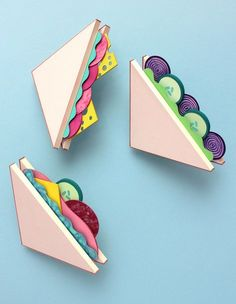 Paper and cardboard sandwiches - would be fun to make for the play kitchen! - Paper and cardboard sandwiches – would be fun to make for the play kitchen! Origami Paper, Paper Quilling, Diy Paper, Pop Up Card, Diy And Crafts, Crafts For Kids, Papier Diy, Art Diy, Paper Illustration