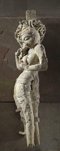 ), century India: Madhya Pradesh, Beige sandstone 40 in. cm) The Norton Simon Museum Art Sculpture, Stone Sculpture, Bronze Age Civilization, Asian Sculptures, Art Premier, India Art, Greek Art, Stone Art, Ancient Art