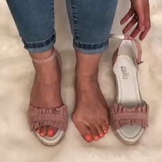 Comfy bunion footwear - Stylish espadrille wedges for women with bunions - Comfy Shoes, Comfortable Shoes, Bunion Shoes, Sandals Outfit, Espadrilles Outfit, Wedges Outfit, Espadrille Sandals, Sport Sandals, Stylish Sandals