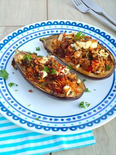 Uit Pauline's keuken: Gevulde aubergine Healthy Diet Recipes, Veggie Recipes, Healthy Cooking, Healthy Food, Healthy Life, Dutch Recipes, Greek Recipes, Aubergine Feta, No Cook Meals