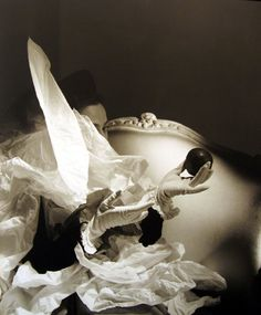 Find the latest shows, biography, and artworks for sale by Horst P. Horst P. Horst (born Horst Paul Albert Bohrmann) was one of the towering figures o… Sarah Moon, Palm Beach, Paolo Roversi, Vintage Photography, Art Photography, Fashion Photography, People Photography, Louise Bourgeois, Peter Lindbergh