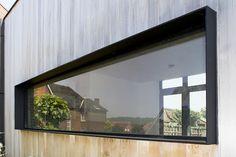 Home - Jaeken Aluminium Schrijnwerkerij House Windows, Windows And Doors, House Cladding, Timber Cladding, Window Reveal, Modern Windows, House Extensions, Window Design, Bay Window