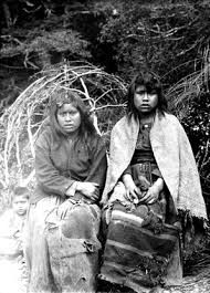 Resultado de imagen para alacaluf Patagonia, Native American Women, Prehistory, Archaeology, South America, Nativity, Photography, Antique Photos, People