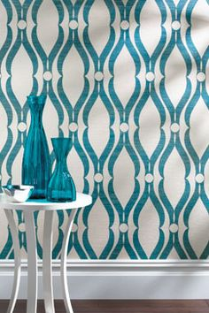 All the texture of a grasscloth + a fun print = a perfect wallpaper Photos Courtesy of Thibaut , Mabley Handler and Interior Design Modern Wallpaper, Geometric Wallpaper, Room Wallpaper, Perfect Wallpaper, Print Wallpaper, Wallpaper Ideas, White Apartment, Shades Of Teal, Turquoise