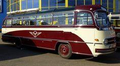 Mercedes, Oldtimer-Reisebus, beim Europatreffen historischer Busse in Sinsheim im April 2014