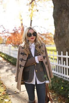 Plaid blazer for fall; fall style and outfit by Atlantic-Pacific Winter Mode Outfits, Winter Fashion Outfits, Autumn Winter Fashion, Fall Outfits, Preppy Fashion, Office Fashion, Fast Fashion, Fall Blazer, Plaid Blazer
