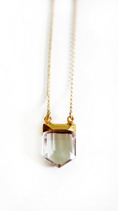 Etsy の CRYSTAL point necklace by keijewelry