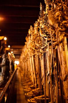 1001 statues of Kannon, temple of Sanjusangendo, Kyoto, Japan. #travel Our trip planner recommends to see it the fourth day http://www.way-away.com/travel-itineraries/japan/japan-in-14-days-for-independent-travellers/?wahash=bc4c27595dcfdf5f2552cea96b659be6