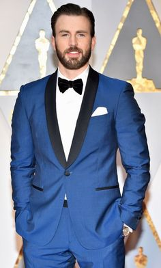 """Chris Evans attends the Annual Academy Awards at Hollywood & Highland Center on February 2017 in Hollywood, California. Steve Rogers, Logan Lerman, Shia Labeouf, Amanda Seyfried, Christopher Evans, Chris Evans Funny, Robert Evans, Chris Evans Captain America, Capt America"