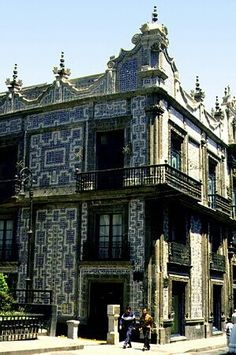 Casa de los azulejos, Mexico city, Mexico  http://www.vacationrentalpeople.com/vacation-rentals.aspx/World/Mexico/