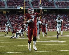 Arkansas RB Knile Davis ready to prove naysayers wrong in 2012 for Heisman campaign.