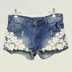 Pearl Lace Flower Embroidery Rivet Denim Shorts