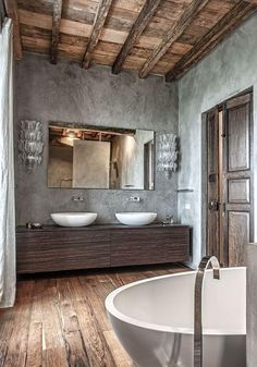 Great Absolutely Free classic Bathroom Renovations Popular Rest room remodel can sound daunting. Endeavoring to re-imagine a pre-existing layout, or even do th Barn Bathroom, Rustic Bathrooms, Concrete Bathroom, Bathroom Ideas, Bad Inspiration, Bathroom Inspiration, Classic Bathroom, Bathroom Interior Design, Bathroom Renovations