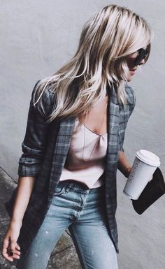 casual+style+perfection+//+blazer+++silk+top+++jeans
