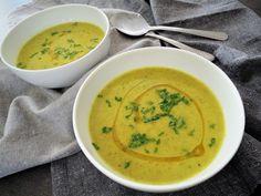 Brokolicová polévka s kokosovým mlékem a kurkumou – Snědeno.cz Thai Red Curry, Ethnic Recipes, Turmeric