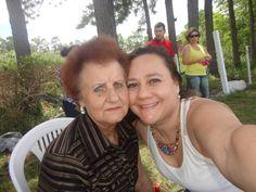 Yo y mi madre. Siempre fue la razón de todo en mi vida. Hoy se encuentra junto a las estrellas.