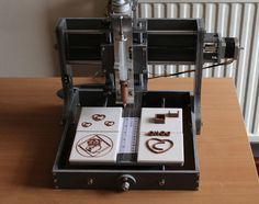 Uma máquina que imprime chocolate. 3D chocolate printer!