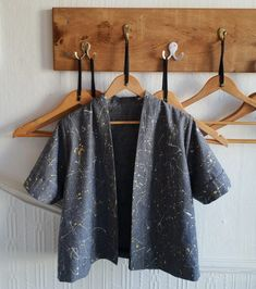 How to Make a Kinder Cardigan in Woven Fabric (Unlined) (Wendy Ward) Knitted Fabric, Woven Fabric, Dressmaking, Sewing Projects, Kimono Top, Knitting, Pattern, How To Make, Fabrics